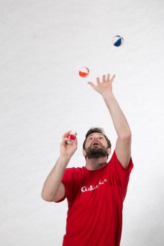 ludo gioca palline